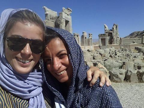 """Giulia Innocenzi e l'Iran: molestie mediorientali, sessismo nostrano e """"donne libere"""""""