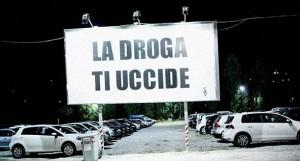 cocorico-cartello-la-droga-ti-uccide
