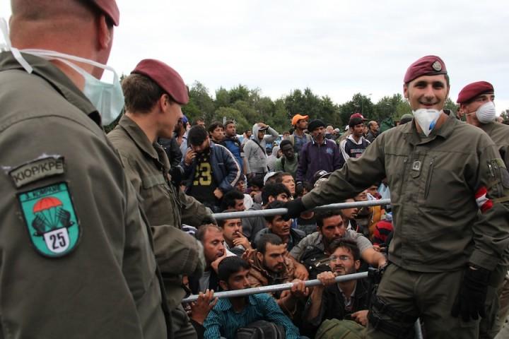 hombres-refugiados