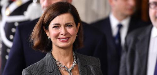 Il silenzio assordante della sinistra sul caso Laura Boldrini